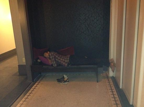 W New York - Union Square: vagrant sleeping on 16th floor
