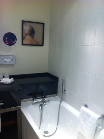 Relais Spa Paris-Roissy CDG : Badezimmer
