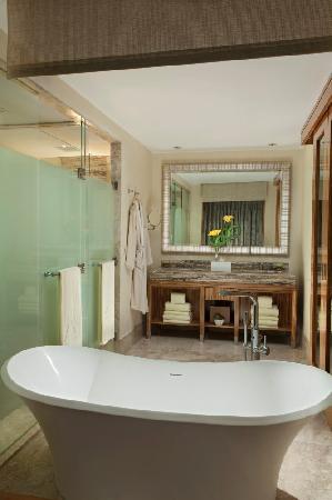 Mulia Resort: Grandeur - Bathroom