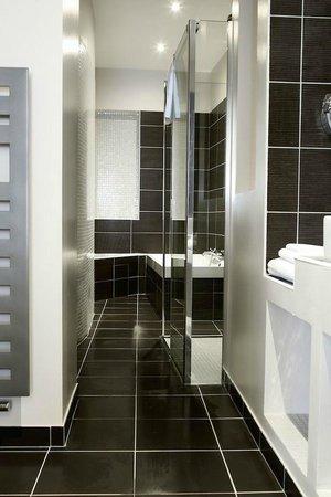 Chambre Charme Salle De Bains Picture Of Hotel Marotte Amiens - Salle de bain charme