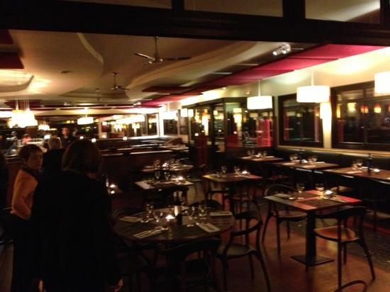 La Petite Gironde : L interno del ristorante