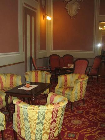 Eden Hotel: Salottino della hall