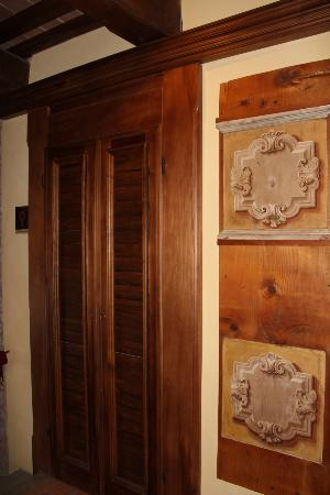Castello di Petroia: Door to our room