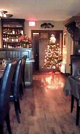 The Maple Grille: Warm and seasonal
