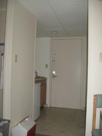 Fenwick Islander Motel: kitchen area