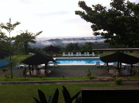 Franceville, กาบอง: vue de la piscine