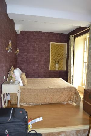 Hotel Tardif Noble Guesthouse: The Master bedroom in the family suite.
