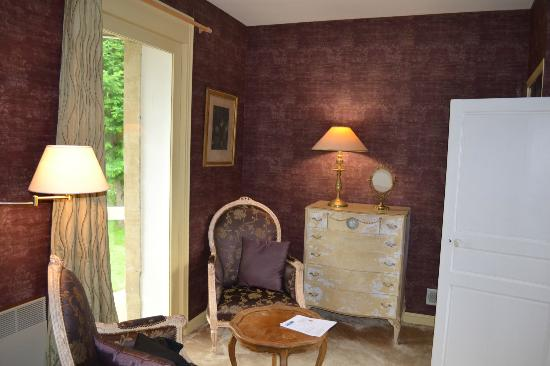 Hotel Tardif Noble Guesthouse: The sitting area in the Master bedroom of the family suite.