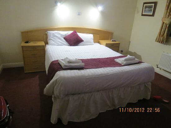 Fairway Hotel: Views of the bedroom
