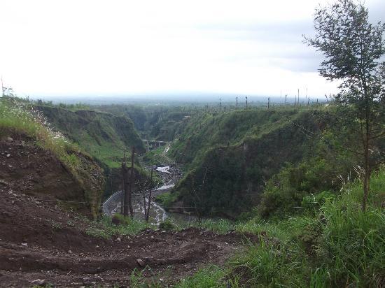 Merapi Volcano: damaged dam