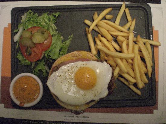 "Les 3 Brasseurs : The ""Le Country"" Burger"