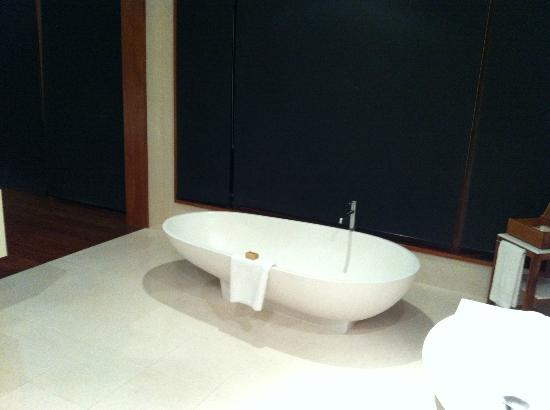 Qualia Resort: Bath