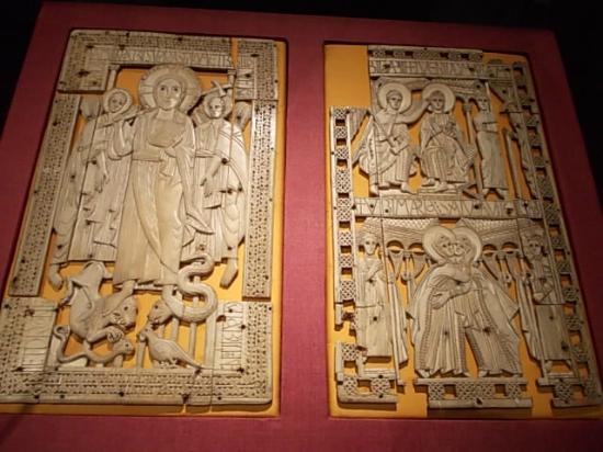 Musee du Cinquantenaire: Medieval art
