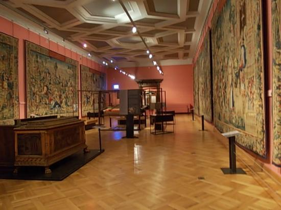 Musee du Cinquantenaire: Room with ancient flemish tapestries