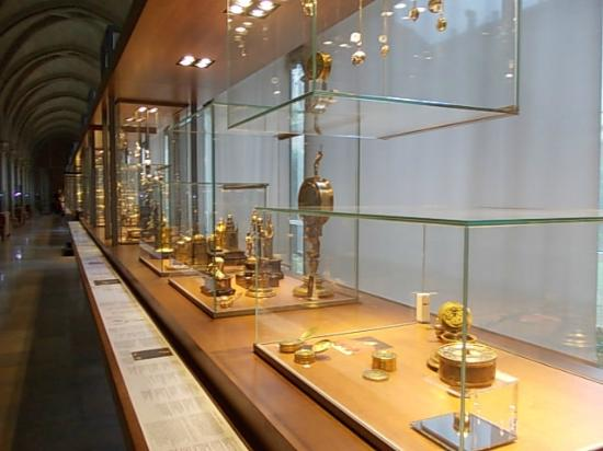 Musee du Cinquantenaire: Tools of measurements