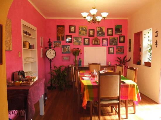 La Casa Amarilla : The colorful Dining Room
