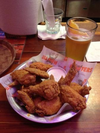 Hooters of Pointe Orlando: classic wings and Blue Moon tap beer
