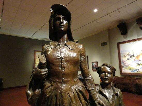 Woolaroc Museum & Wildlife Preserve: Pioneer Woman sculpture in Woolaroc Museum