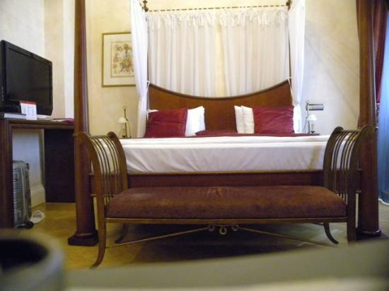 Smetana Hotel: Magnificent bedroom
