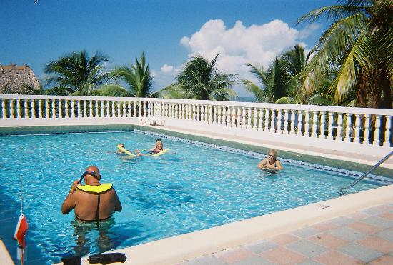 Gulf View Waterfront Resort: heated pool
