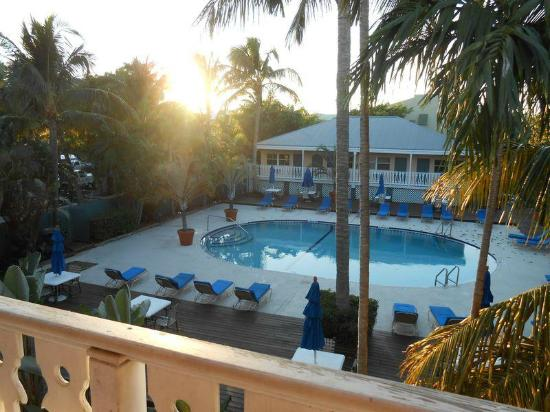 view of sunset picture of banana bay resort key west. Black Bedroom Furniture Sets. Home Design Ideas