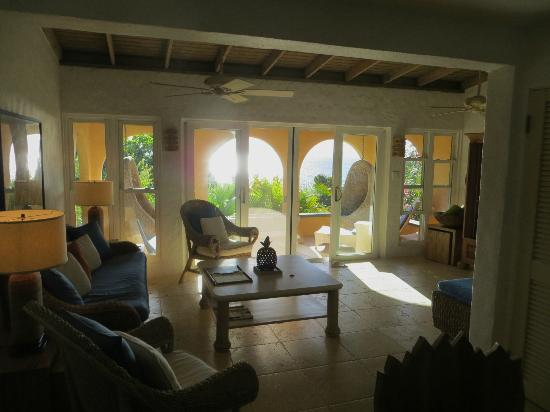 Frenchmans: Star Fruit villa living room