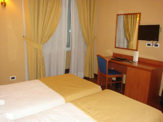 Hotel Impero: Standard Room 10 Nov 2012