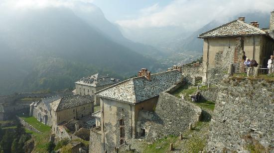 Fenestrelle, Italie: Blick auf den unteren Teil der Festung