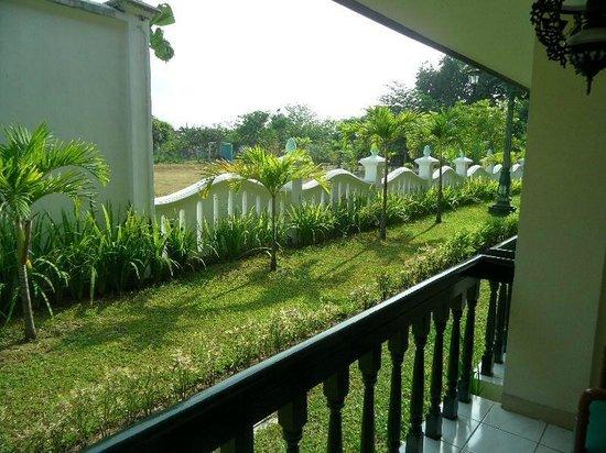 Hotel Brongto: uitzicht vanaf de veranda