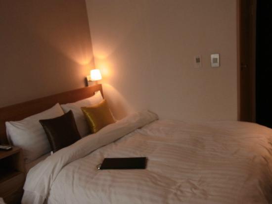 Just Stay Hotel: ベッド