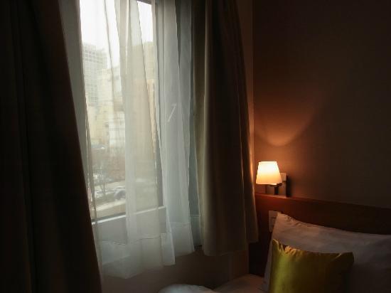 Just Stay Hotel: ミョンドンなどの街中ホテルだと窓の目の前ビルとか良くあるけれど、窓からは街がよく見えて気持ちがよかった。