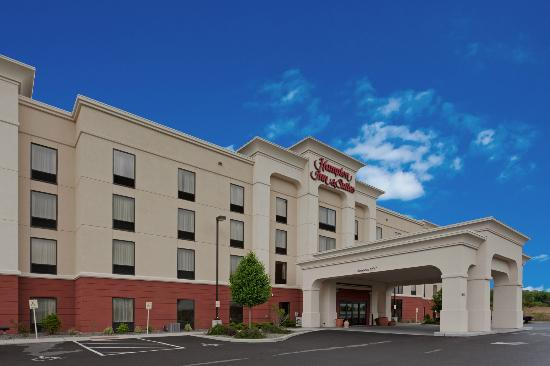 Hampton Inn & Suites Syracuse Erie Blvd/I-690: Exterior