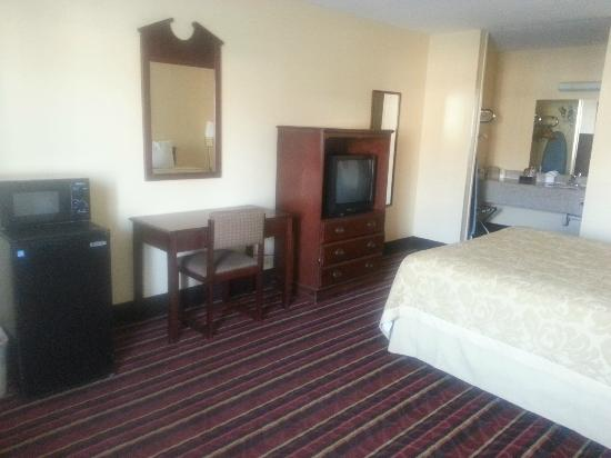 Super 8 Temple: Amenities we offer in all of our rooms.