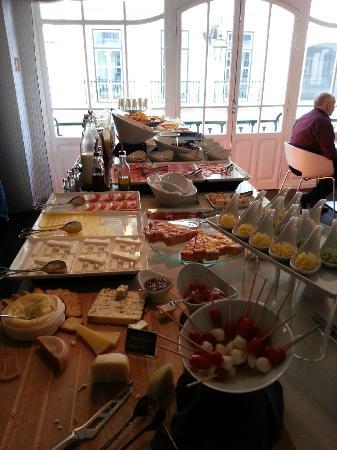 Internacional Design Hotel: Tavolo colazione