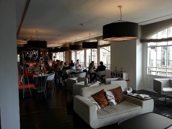 Internacional Design Hotel: Sala colazione/ristorante