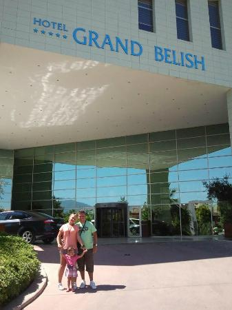 Grand Belish Hotel: Main entrance
