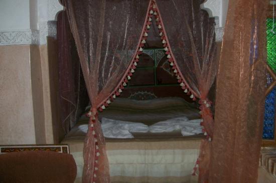 Riad Venezia : One of the beautiful beds!