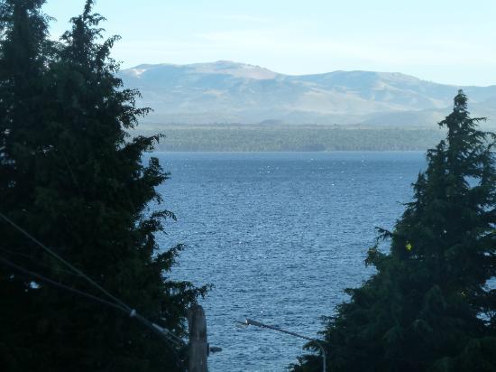 Ayres del Nahuel: Vista al lago desde la habitación