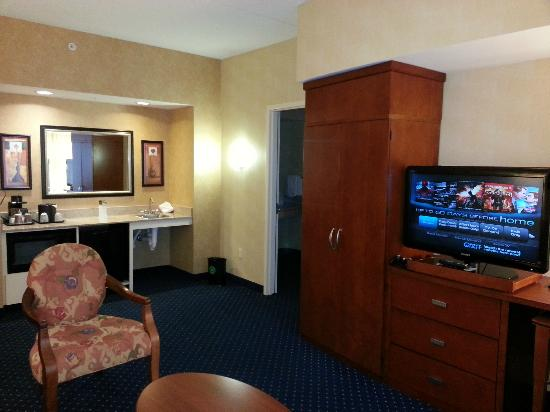 Courtyard by Marriott Lancaster: Living area