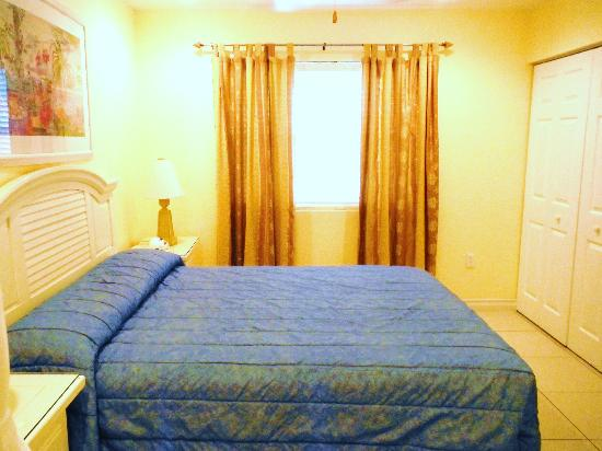 Compass Point Dive Resort: Bedroom