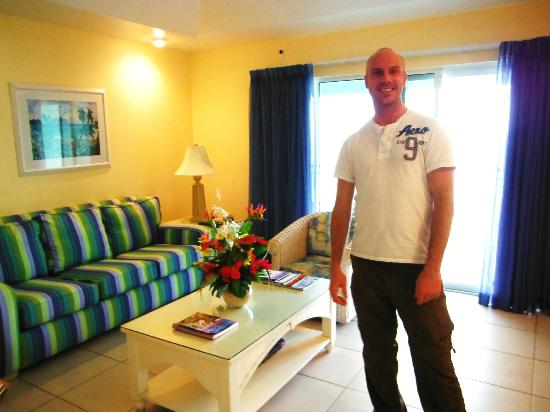 Compass Point Dive Resort: Living room