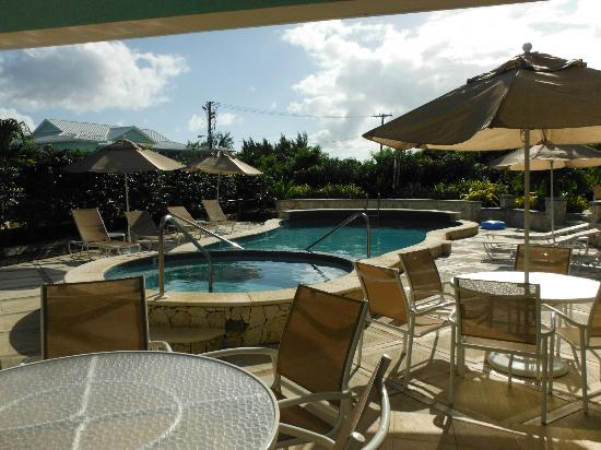 Compass Point Dive Resort: View of the pool