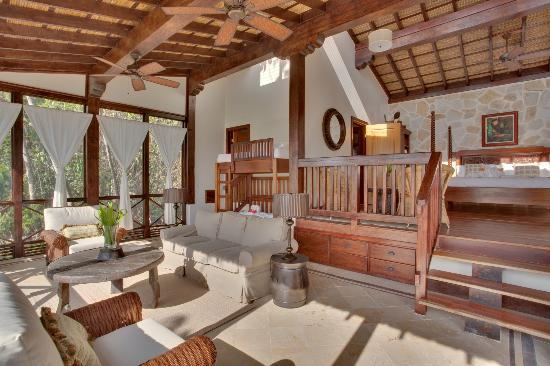 Belize Tree Houses : The Living Room