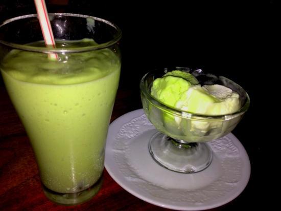 Seagull Cafe House: Avacado Juice, Kiwi + Pineapple Gelatto