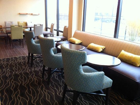 Hampton Inn Detroit Northville: Breakfast area