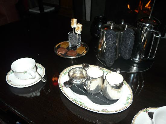 The Torridon 1887 Restaurant: Petit fours beautifully served