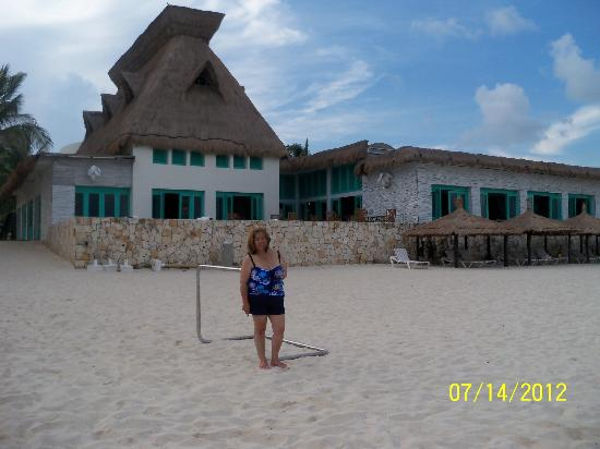 The Grand Mayan Riviera Maya: Checking out the beach