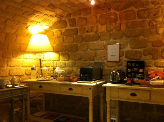 Le Relais Montmartre: scarsissimo buffet