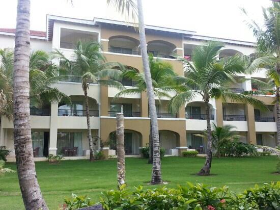 Now Larimar Punta Cana: hotel building