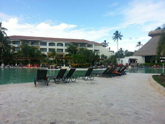 Now Larimar Punta Cana: main pool area